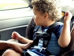 Comment installer un siège auto pivotant ?